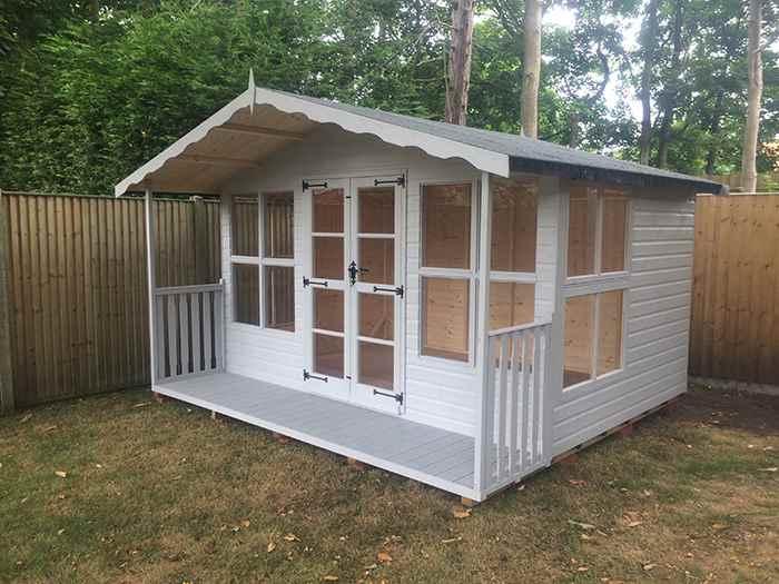 Bespoke buildings mb garden building for Bespoke garden sheds