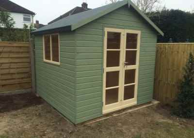Deluxe Apex 8x8 with Double richmond doors, heavy felt and with painted finish.