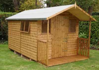 Deluxe Apex Bespoke 12x8, with 2'6 Verandah, Stable Door