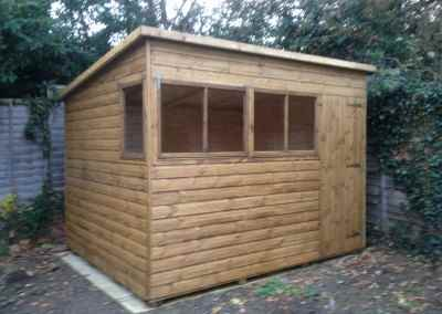 Deluxe Pent 10x8 with Extra Window.