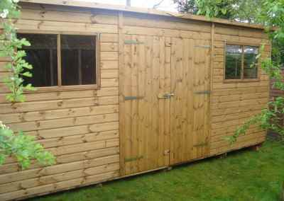 Deluxe Pent 16x9 with Double Doors