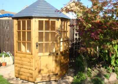Frensham single door Gazebo 6X6 (4)