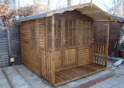 Hampton 8x6, off-set doors, 2'6 Verandah, T&Gv Lining and Insulation