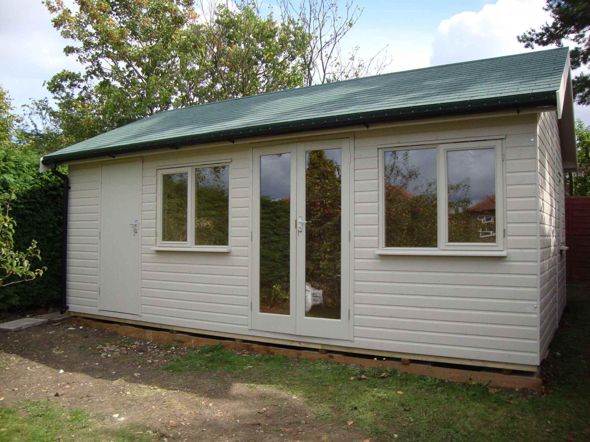 Summer houses garden rooms home offices bespoke mb for Bespoke garden office