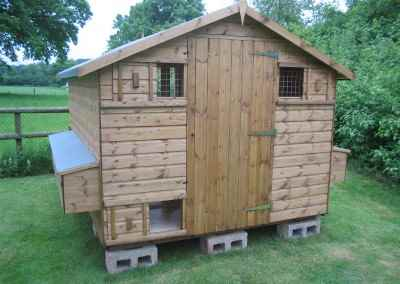 Loxwood Hen House 10X8(4)