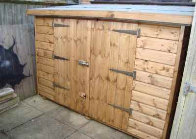 Tool Shed 7x3, Double Doors in Low Side
