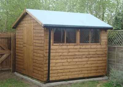 Deluxe Apex 10x8, Stable Door, Heavy Torch-On Roofing Felt and Guttering
