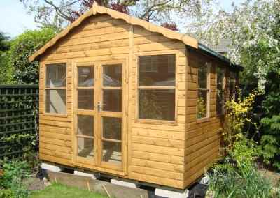 Deluxe Studio 14x10, Double Glazed, 6mm Ply Lining & Insulation, Shaped Barge Boards.