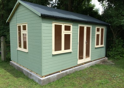 Deluxe Studio 16x10 with Joinery Windows, Ascot Doors, Heavy Torch-On Felt, T&Gv Lining & Insulation, Guttering and Painted Finish