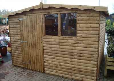 Hobby 10x8, Log-Lap Cladding and Shaped Facia's